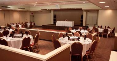 Ramada Plaza Oak Room
